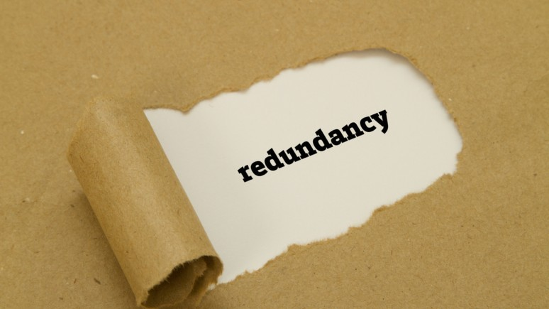 The differences between individual and collective redundancy